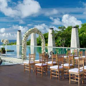 Banyan-Tree-Ungasan-Romance-Wedding-Bambu-1170x470