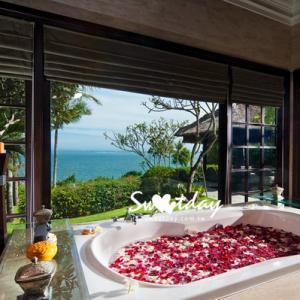 Ocean front Cliff Villa Bathroom_resize
