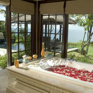 Ocean Front cliff Villa Bath Room